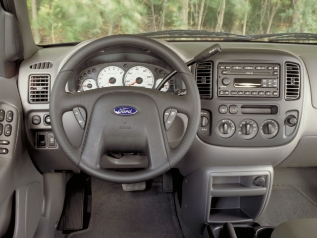 Ford Maverick (2001–2004)