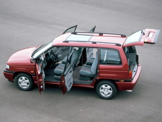 Mazda MPV I (1995–1999)