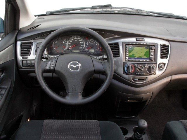 Mazda MPV II (1999–2006)