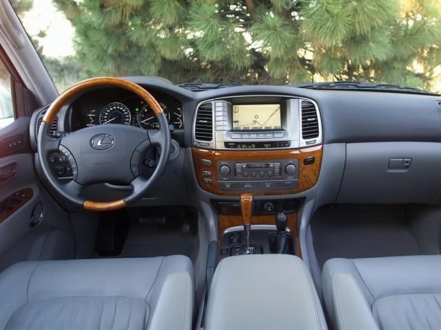 Lexus LX серии II (1998-2008) UZJ100