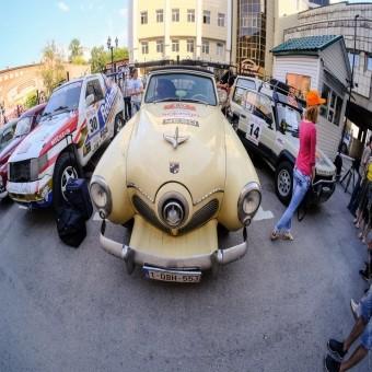 Пенсионеры из Европы заехали на пит-стоп в Перми.