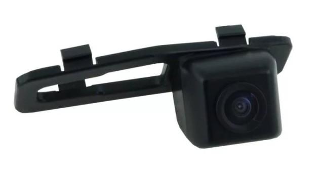 Камера заднего обзора Honda Accord 11+ - Incar VDC-088